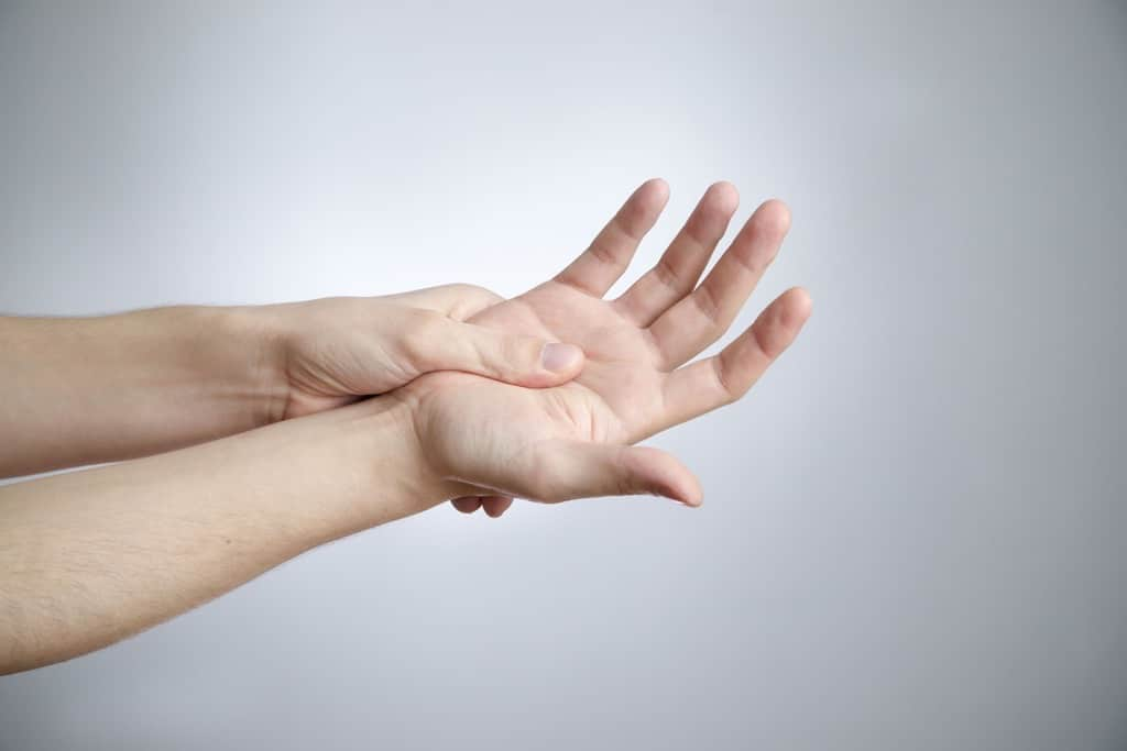 use-hand-massage-sleep-without-pain