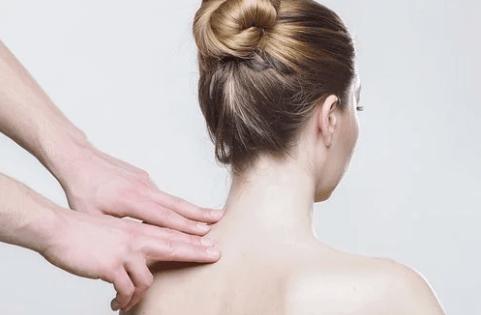 массаж шейно воротниковой зоны