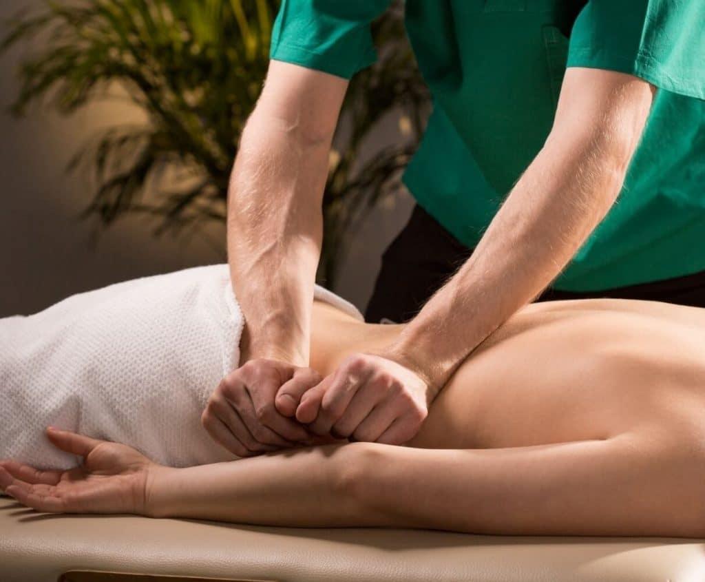 Выжимание - прием классического массажа