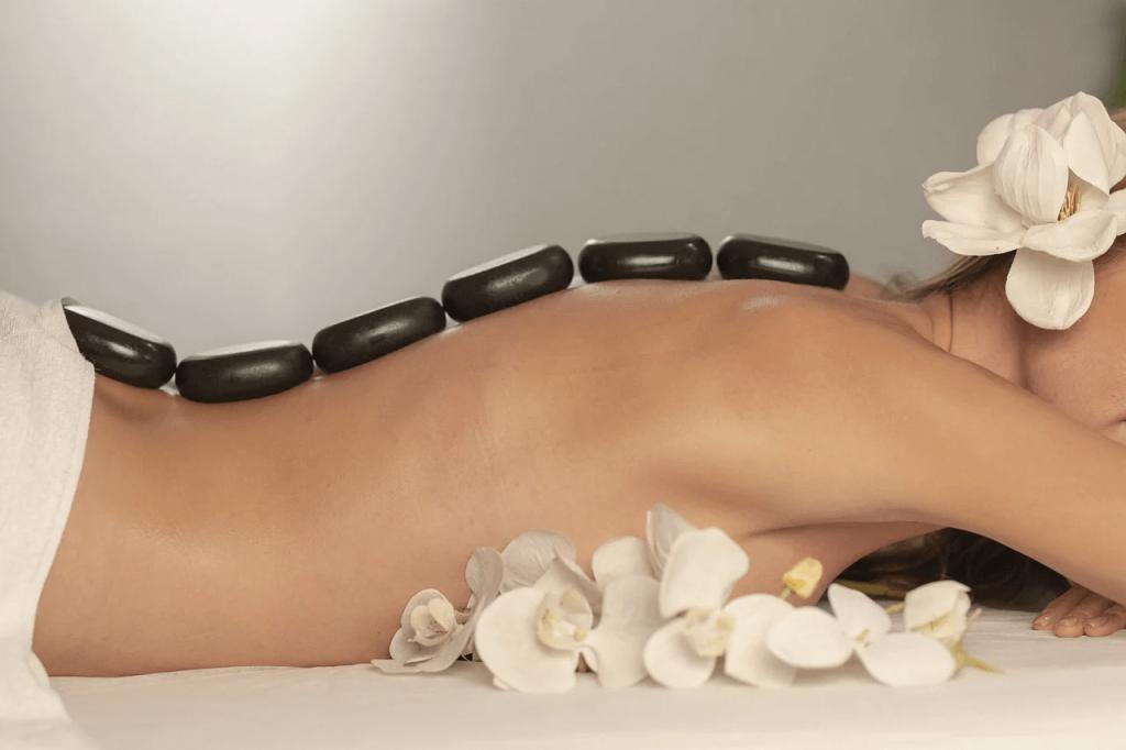 польза массажа с камнями