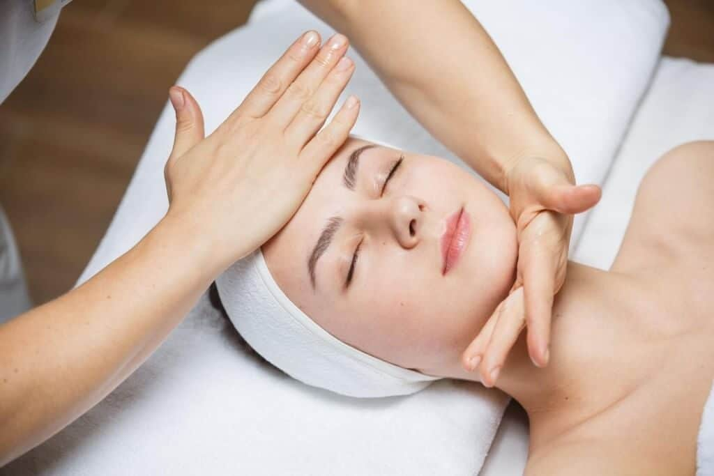 Вред косметического массажа лица