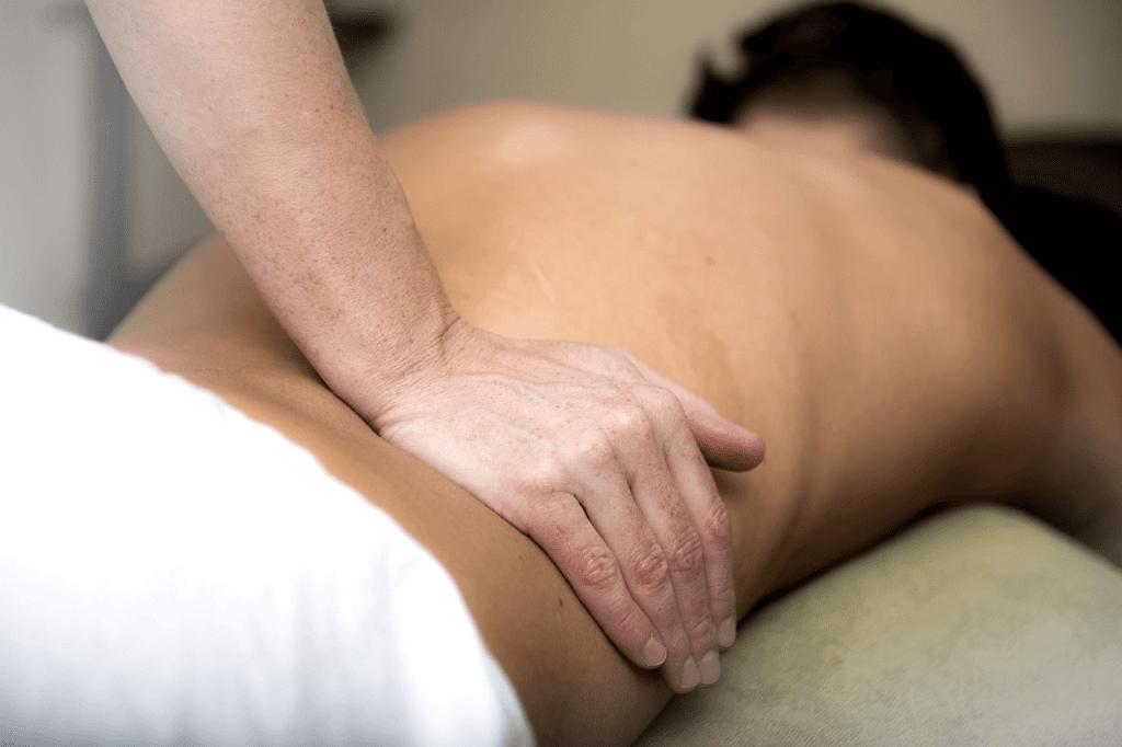 Медовый массаж спины в домашних условиях