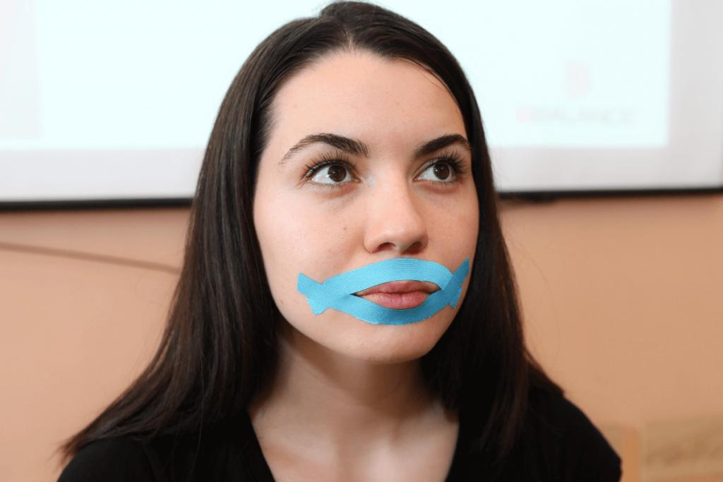 тейпирование для устранения морщин вокруг губ