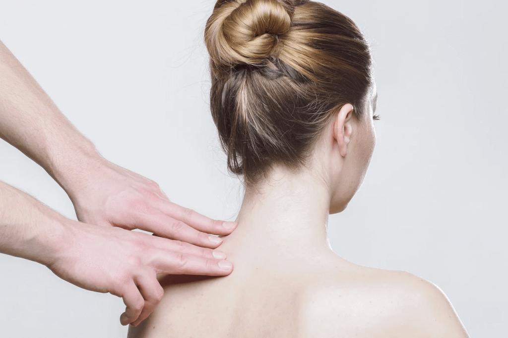 лицо и шея во время миофасциального массажа